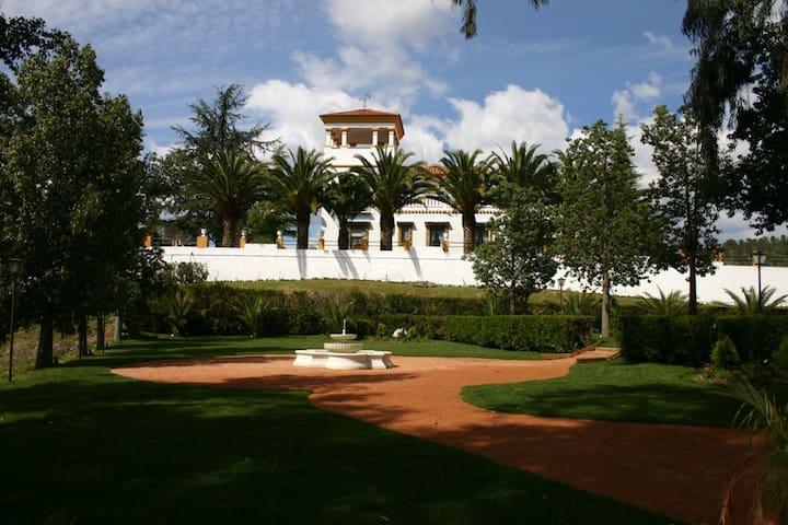 HACIENDA EL CORDOBES - Córdoba - Villa