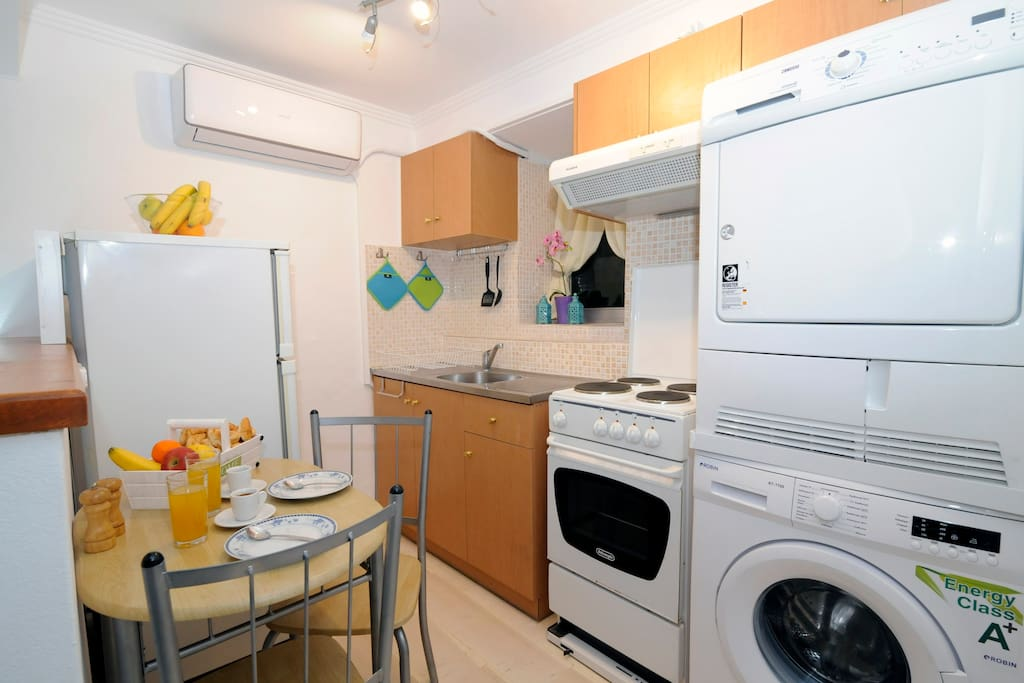 Studio also provides a full size washing machine and dryer for the comfort of our long stay guests.