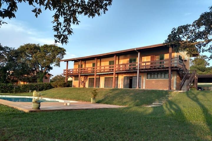 Casa de cinema na represa de Jurumirim - Avaré/SP