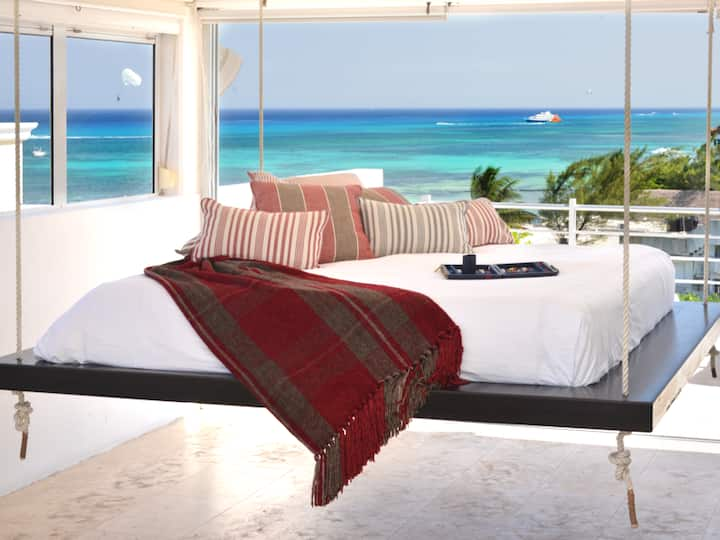 Luxury Studio with Jacuzzi & Beach Club