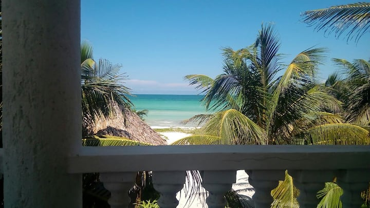Bonita Beach - perfect beach location & WOW views