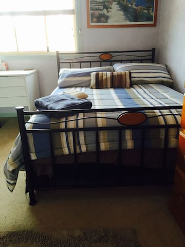 Friendly helpful,  clean Home - South Wentworthville - Hus