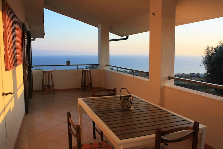 Panoramic Apartment in Capo Vaticano (Tropea)