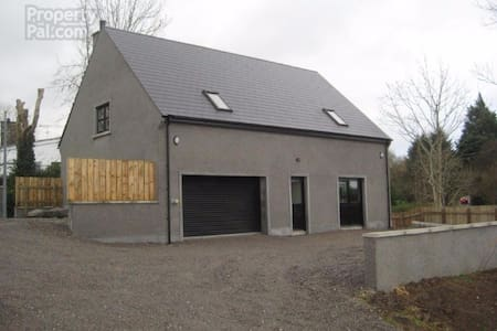 Large two bed studio house - Belleek