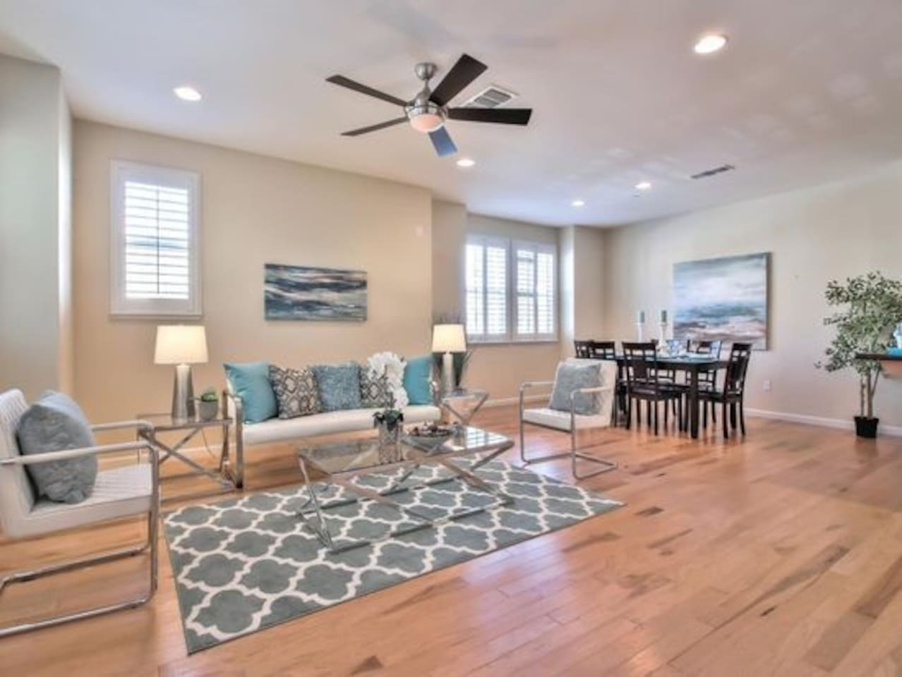 Spacious hardwood floor in living and dining area