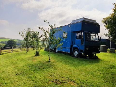 Big Blue, horse lorry conversion private hot tub