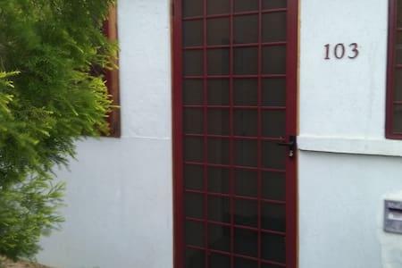CBD living - Tamworth - Wohnung