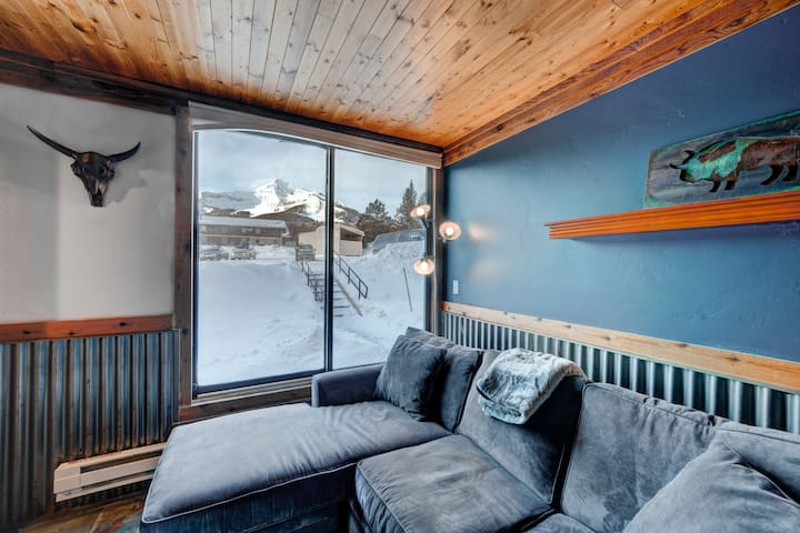 Cozy 2 Bedroom Condo Minutes from the Slopes