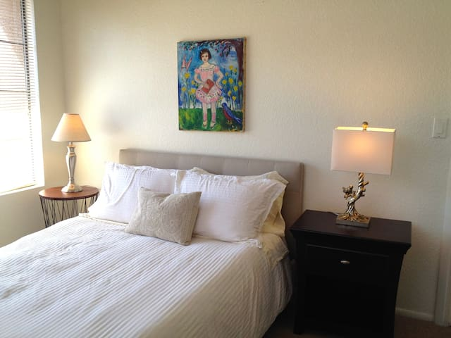 BY SCOTTSDALE! BREAKFAST+MEMORY FOAM MATTRESS+POOL - Tempe - Appartement en résidence