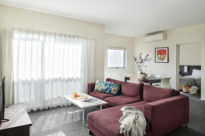 Essendon 14 nights - Two Bedroom Apartment