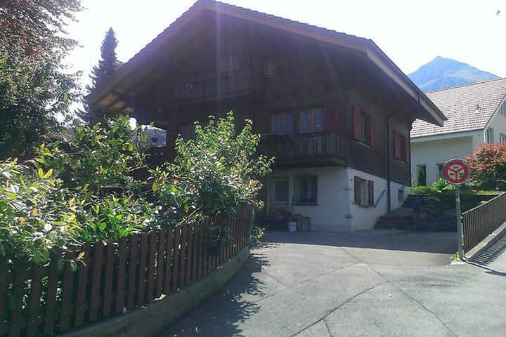 5 MINUTES WALK FROM THE STATION - Spiez - Haus