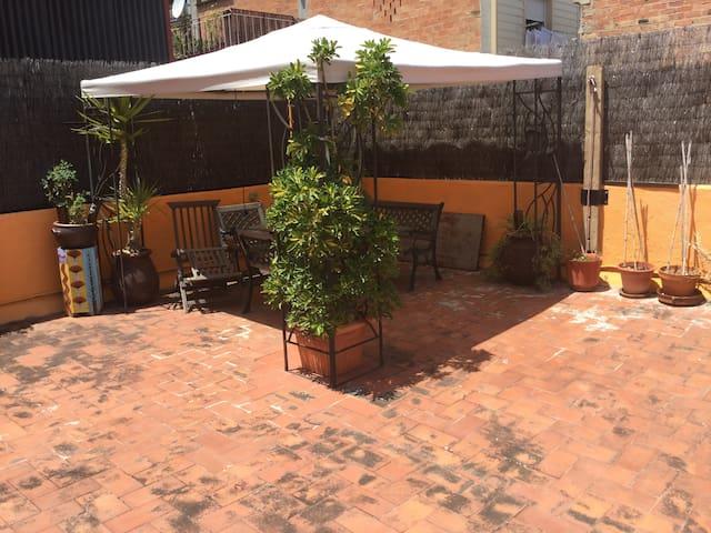 Apartamento acogedor con terraza - Barcellona - Condominio