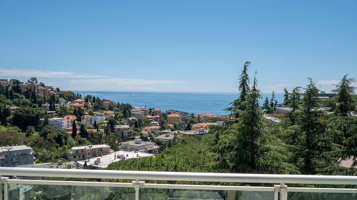 Wonderful Sea-View One Piece Apartment in Sanremo