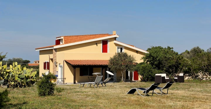 Charming country house close to the beach