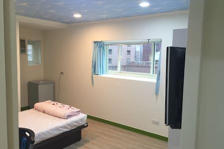 聖桃莎文旅 Sentosa Inn 交通方便熱鬧方便都市民宿(R2) - 桃園區 - Apartment