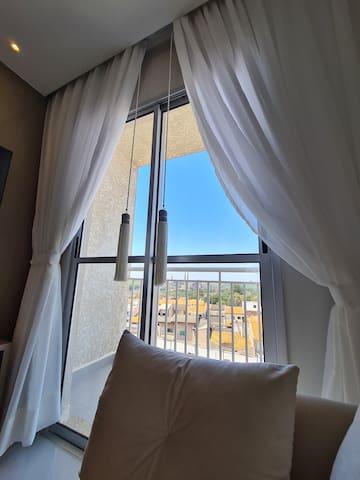 Apartamento com sacada e excelente localização