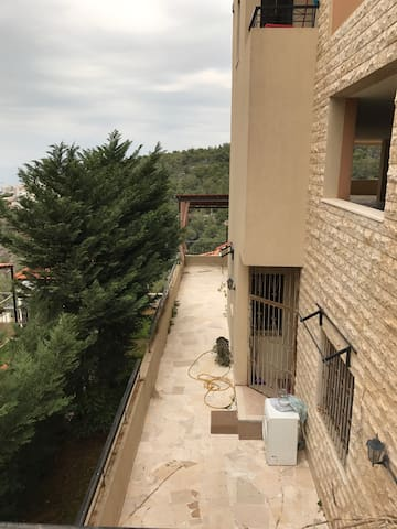 Great Apartment with Lovely View - Ain Saadeh