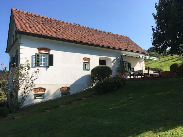 Weinstöckl mit Pool - Gemeinde Großwilfersdorf - Casa