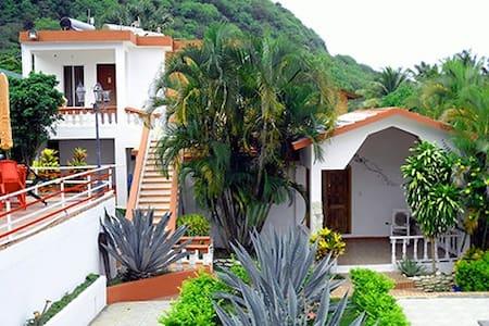 CAMERA ECONOMICA - Los Patos - ที่พักพร้อมอาหารเช้า