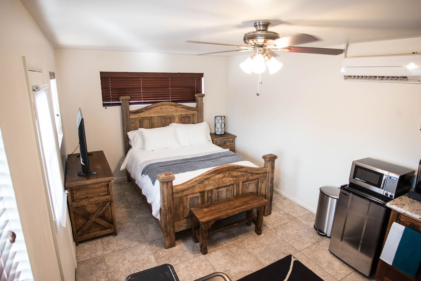 There is no doubt that there is plenty of light in the guesthouse. The AC is brand new and the ceiling fan helps to keep the room even cooler in the summer time.
