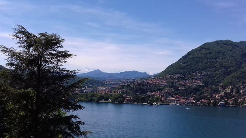 Romantic apartment with amazing view close to Como