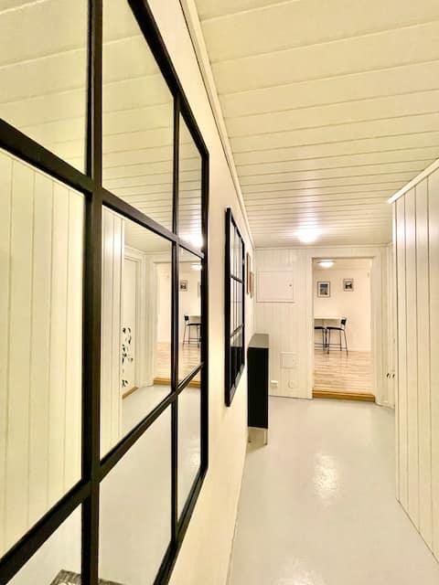 Άνετο στούντιο/υπόγειο διαμέρισμα