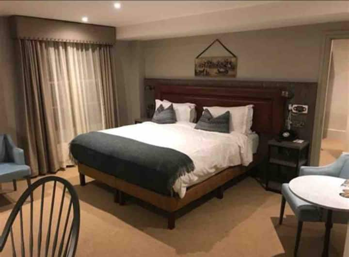 Private bedroom for rent