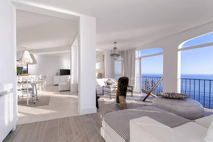 New Listing! Artist's Sea Front Villa