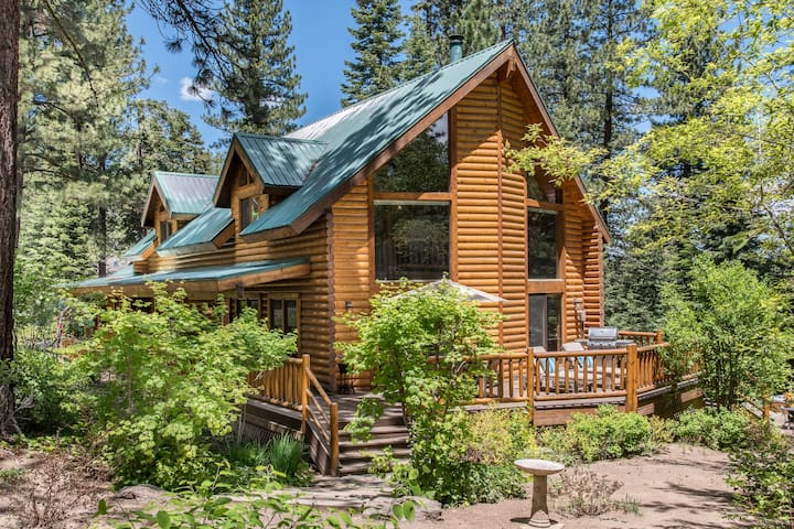 Cozy Log Cabin - Truckee - Chalet