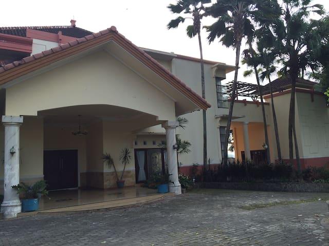 Villa Hamsa - Junrejo - Apartment