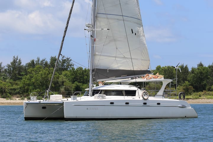 Splendid sailing catamaran Jemme 42ft