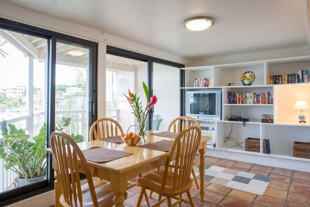 Bright dining area and lanai.