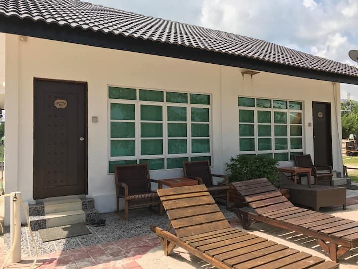 Labu Labi Residence - Triple Room 8