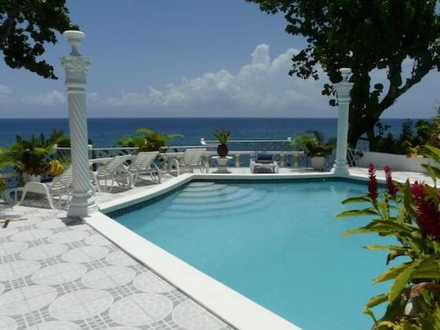 $425 a night  6!Ocean Front Twin Private Castles