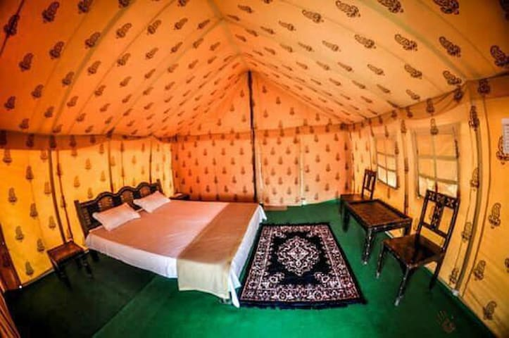 Cosy tent with modern amenities to help you enjoy the desert