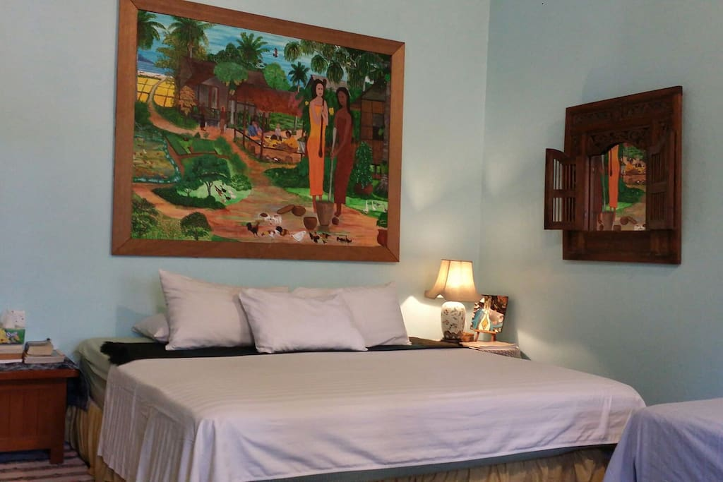 1 King-sized bed & 1 Super-single bed sleeps 3 adults comfortably. (March 2016)