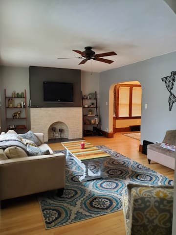 Fully Furnished Charming MKE House