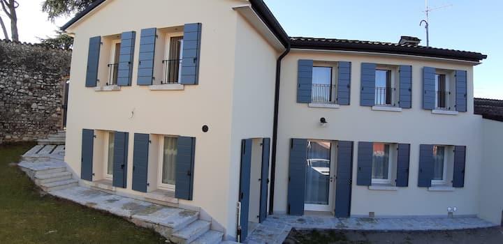 Intera casa in centro storico a Pieve di Soligo