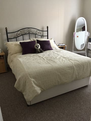 Double room private room only - Coventry - Huoneisto