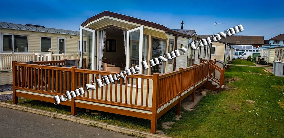 Luxury static caravan hire near the beach