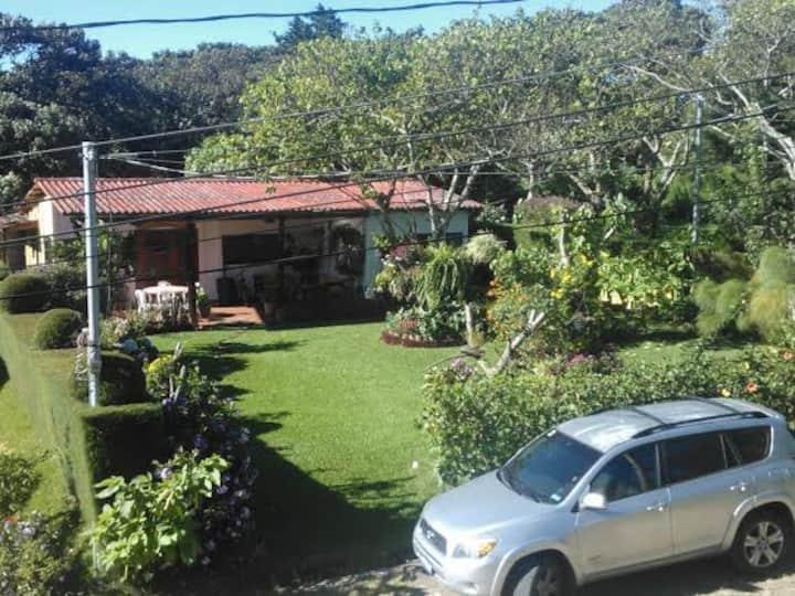 Complejo de patios abiertos,  Apaneca, zona urbana