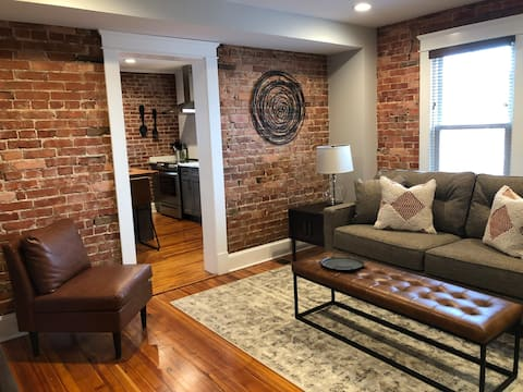Old Town Loft In Highly Desirable Area Downtown
