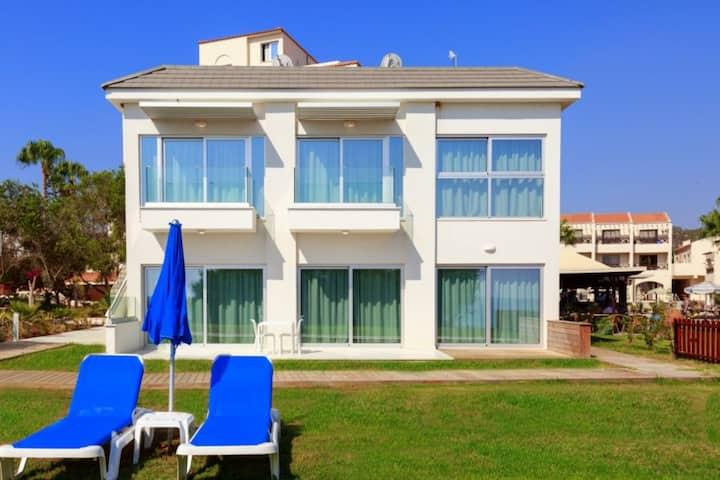Ocean Suites Luxury Apartment A1-001