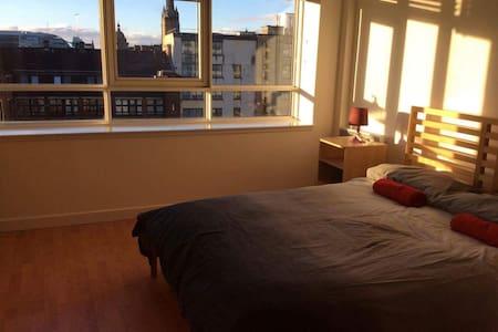 Stunning 1 Bed Apartment, City Center - 格拉斯哥