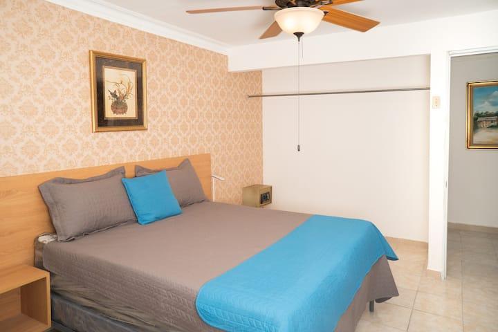 Habitacion confortable, baño privado, wifi, tv