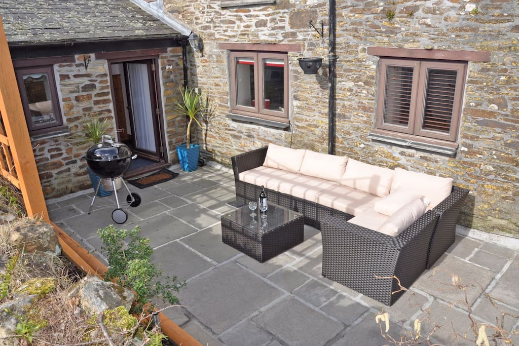 Large private courtyard garden