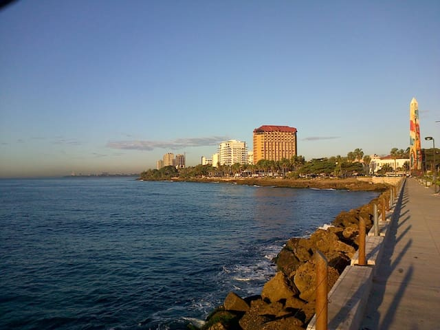 Gazcue (Malecon) Sto. Dgo., 3 Bedroom Apartment. - Santo Domingo - Apartament