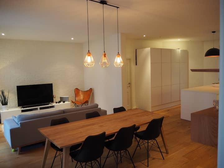 Antwerp - spatious one bedroom ap. for 2