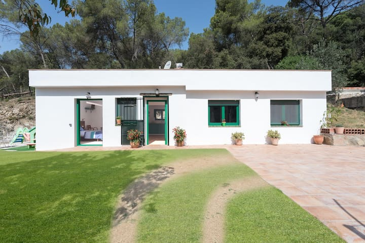 Cottage Eco-Friendly Barcelona country side