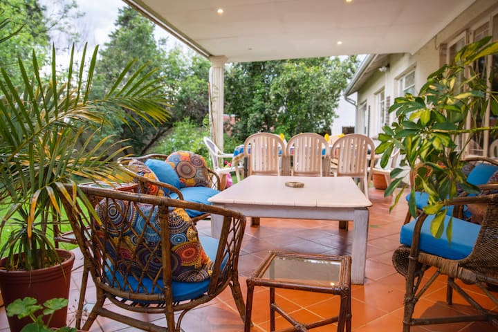 A cozy stay in tree-filled Blairgowrie